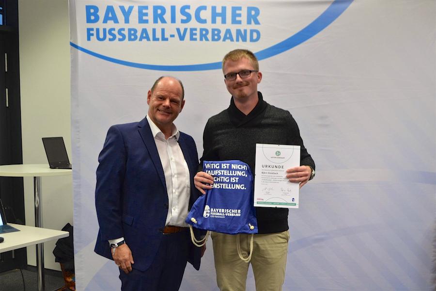 Fußballhelden 2019 – Aktion Junges Ehrenamt: Ehrung für Viktorianer Björn Dziallach